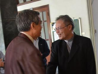 Chúc mừng Đức tân Tổng Giám mục tổng giáo phận Huế
